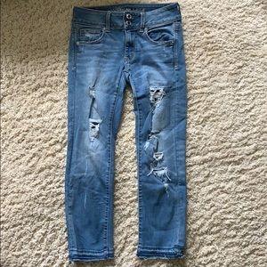 Artist crop distressed jeans